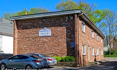 Building, 350 Linden Walk, 0