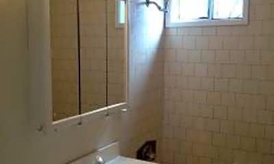 Bathroom, 6180 Lewis Ave, 2
