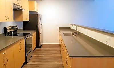 Kitchen, Lynwood Commons, 0