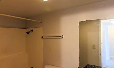 Bathroom, 1080 N Verde Ave, 2