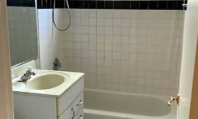Bathroom, 154 Green Bay Rd, 0