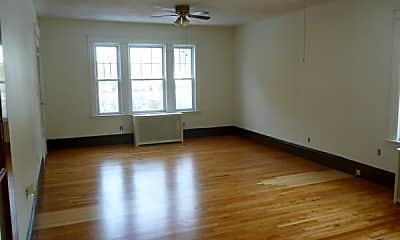 Living Room, 92 Boston Ave, 1