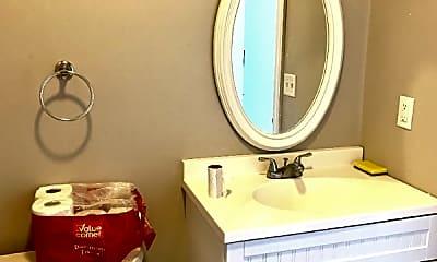 Bedroom, 250 Waterman St, 2