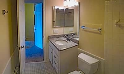 Williamsburg Apartments, 2
