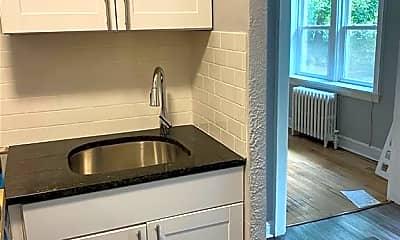 Kitchen, 8 Washington Ct 104, 2