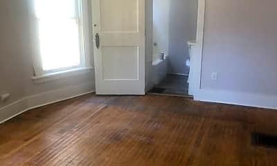 Living Room, 439 Meigs St, 1