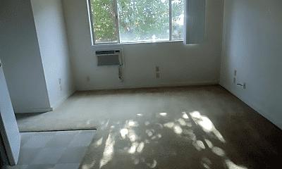 Bedroom, 141 Uwapo Rd, 1