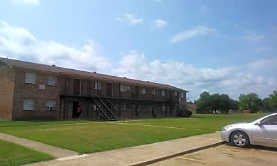 Oak Manor Apartments, 2