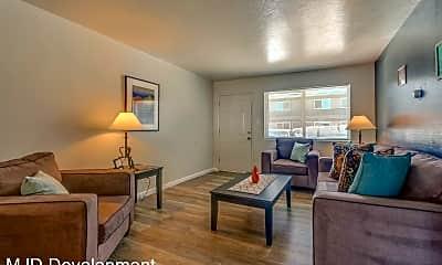 Living Room, 405 Grand Canyon Blvd, 1