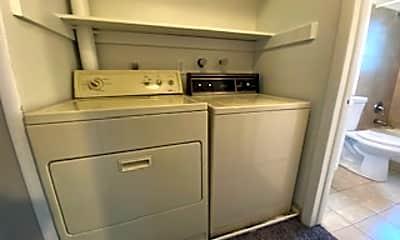 Kitchen, 941 S Utica St, 2