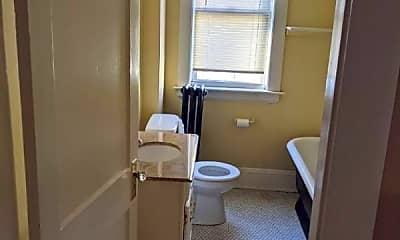 Bathroom, 85 Pekin St, 2