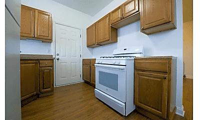 Kitchen, 5130 S King Dr, 1