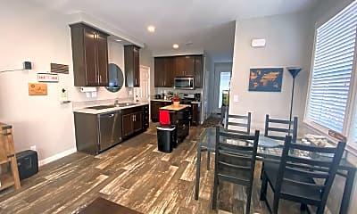 Kitchen, 2279 Vanderford Dr, 1