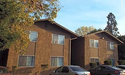 Building, 3 Braydon Ct, 1