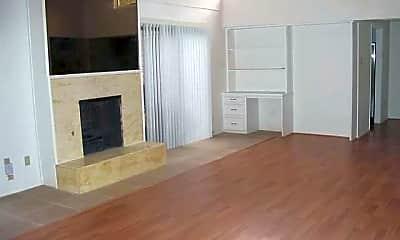 Living Room, 7016 Briarmeadow Dr, 1