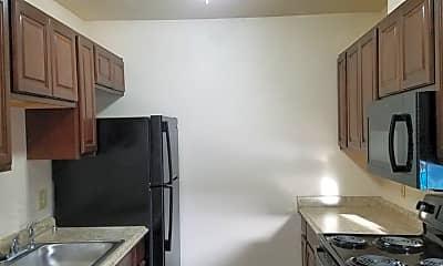 Kitchen, 150 E Orangeburg Ave, 1