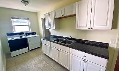 Kitchen, 120 E Edgewood Dr, 2