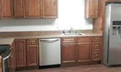 Kitchen, 578 Shorewood Dr, 2