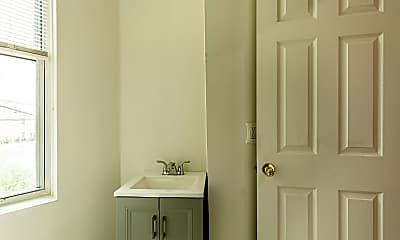 Bathroom, 2150 Ridge Ave, 2