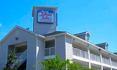 Building, InTown Suites - West Oaks (WOT), 0