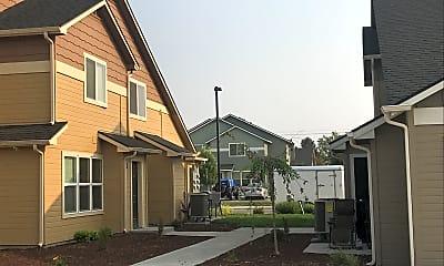 Bella Commons, 2