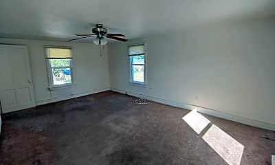 Living Room, 204 N Hawksbill St, 1