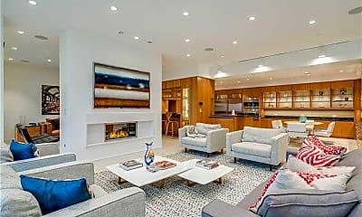 Living Room, 2000 Royal Ct 2005, 0