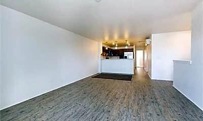 Living Room, 840 Kakala St 604, 1