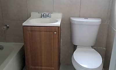 Bathroom, 125 SW 5th Ct, 2