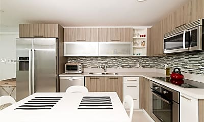 Kitchen, 6700 Indian Creek Dr 706, 1