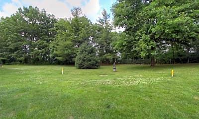 Landscaping, Maple Ridge Apartments, 2