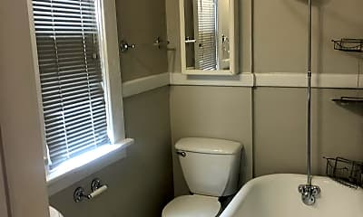 Bathroom, 2611 Humboldt St, 2