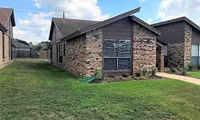 Building, 4022 Woodcrest Dr, 2