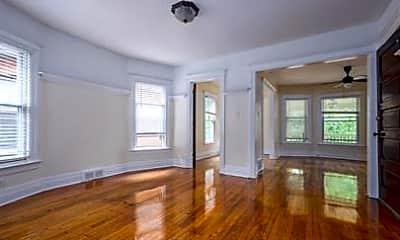 Living Room, 4834 Commonwealth St, 1