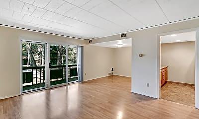 Living Room, Trenton Square Apts, 0