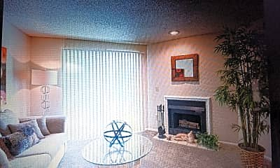 Living Room, 480 NE Windrose Dr, 1