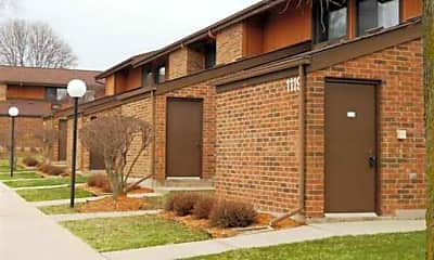 Building, Baraboo Court Apartments, 1