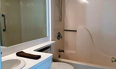 Bathroom, 49 Rose St 508, 2