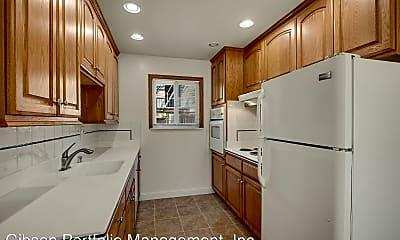 Kitchen, 801 Bermuda Dr, 1
