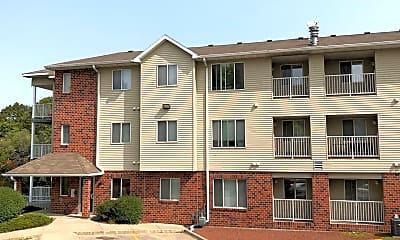 Building, 258 Hyland Ave, 1
