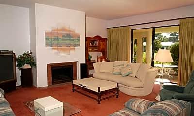 Living Room, 7442 N San Manuel Rd, 0