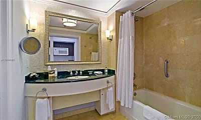 Bathroom, 455 Grand Bay Dr 506, 1