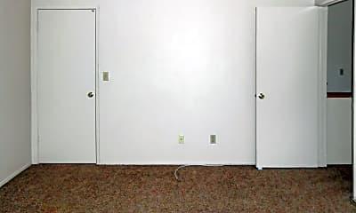 Bedroom, 936 W Perdew Ave, 2
