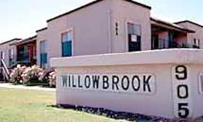 Willowbrook Apartments, 1