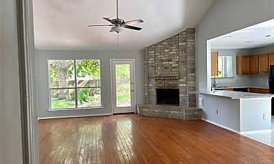 Living Room, 2423 Willow Bend Dr, 1