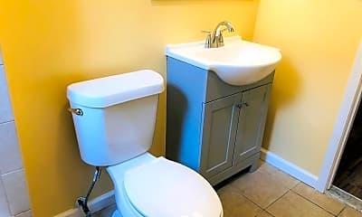 Bathroom, 1077 Sanford Ave, 2