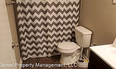 Bathroom, 3562 Mynders Ave, 2