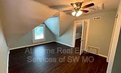 Bedroom, 642 S Main Ave, 2