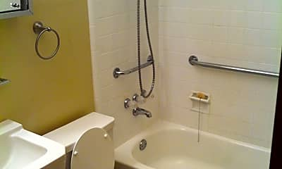 Bathroom, 4 Desoto Cir, 2