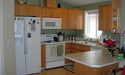 Kitchen, 105 NW 49th Cir, 2